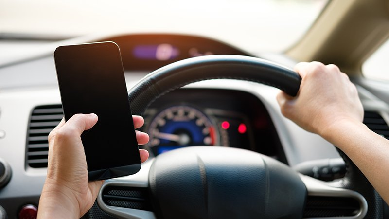 should-you-check-mobile-phone-records-after-a-light-duty-vehicle-accident